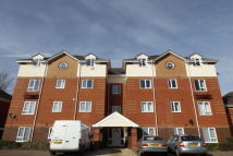 2 bed Flat to rent in Riverside Steps...