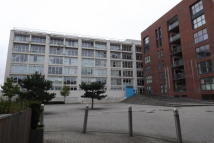 Apartment to rent in Airpoint, Bedminster