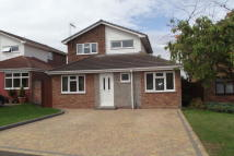 3 bedroom house to rent in Raven Close, Bradwell