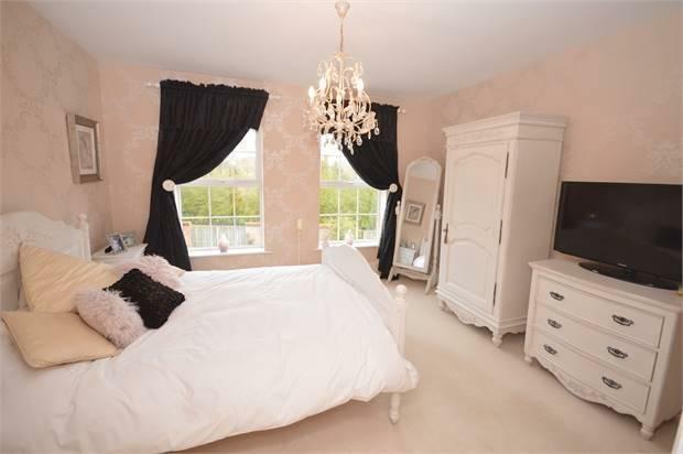 Bedroom 2/ Guest Suite