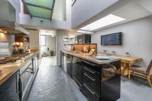 3 bed Mews to rent in Ansleigh Place, London...