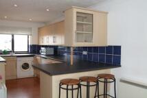 2 bedroom Flat to rent in Peckham Street...