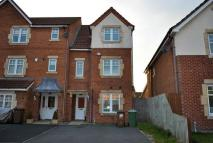 3 bed Town House in THREADNEEDLE COURT...