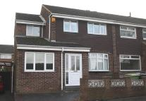 5 bedroom semi detached house in Acacia Crescent...