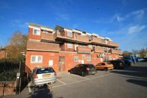 2 bed Flat to rent in Broadwater Road...