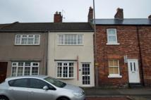 2 bed house to rent in 39 High Street...