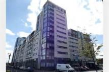 Flat to rent in CASTLEBANK PLACE...