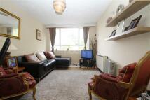2 bedroom Flat to rent in Victoria Drive SW19