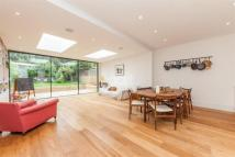 Flat to rent in Elsenham Road, SW18