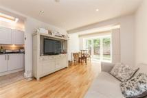 2 bed Flat to rent in Earlsfield Road, SW18