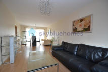 3 bed Detached property in Cransley Avenue...