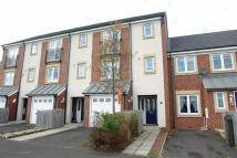 4 bed Town House to rent in Manor Park...