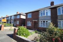 Flat to rent in Ferndene Grove...