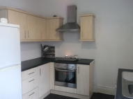 Apartment to rent in Bennetthorpe, Doncaster...