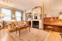Flat for sale in Rutland Court...
