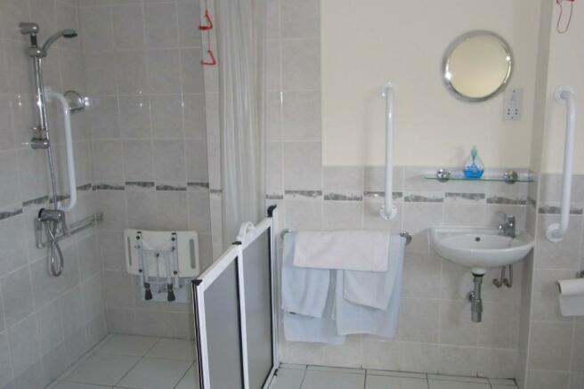 En suite Bedroom 4