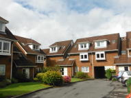 2 bedroom Flat for sale in Pinetree Court...