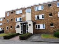 3 bedroom Flat in Kneller Road, Whitton...