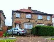 Spring Grove Crescent semi detached house to rent