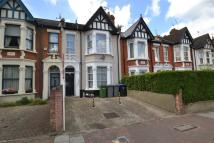 3 bedroom Flat in St. Johns Avenue, London