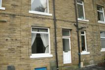 2 bedroom Terraced house to rent in East View, Mytholmroyd...