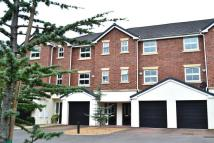 3 bedroom Mews in Chiltern Court...