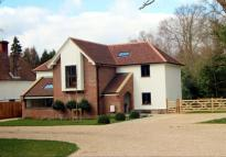 Detached house to rent in Sandy Lane Crawley Down...