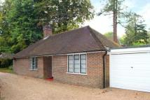 2 bedroom Bungalow in Coombe Hill Road RH19
