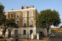 Flat for sale in Thornhill Crescent N1