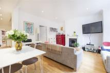 Flat in Ferntower Road