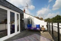 3 bedroom Flat for sale in Mildmay Road N1
