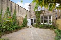 2 bed Town House in Christ Church Oval...