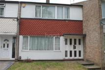 3 bed semi detached property to rent in Mynchens, Basildon
