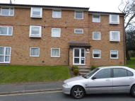 Flat to rent in Parrs Close...