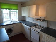 1 bed Flat to rent in Limpsfield Road...