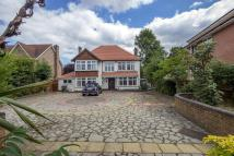 Detached home in Limpsfield Road...