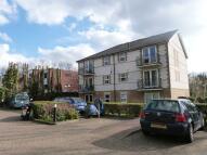 2 bedroom Flat in Stoneleigh Court...