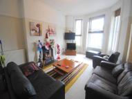 2 bed Flat to rent in Undercliff Road...