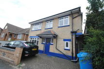 2 bedroom Flat in Princess Road, Branksome...
