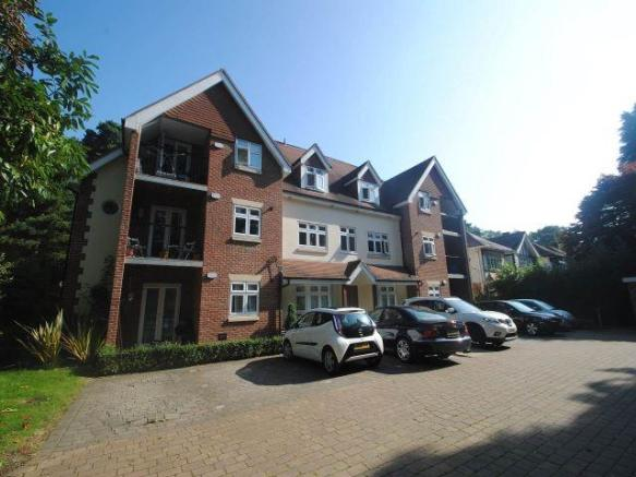 3 Bedroom Apartment To Rent In Queens Park Avenue Bournemouth Dorset Bh8