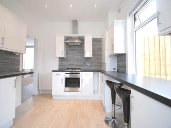 3 Bedroom House To Rent In Delhi Road Redhill Bournemouth BH9