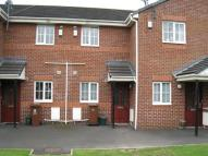 2 bed Ground Flat in Fern Common Shaw