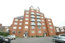 2 bedroom Flat in Queens Parade...