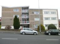 Flat to rent in Weston Court, Barry