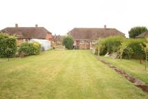 Bungalow to rent in Isis Way, Bourne End