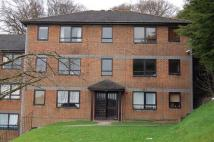 2 bed Flat to rent in High Beeches...