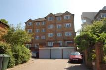 2 bed Flat to rent in Wesley Dene, High Wycombe