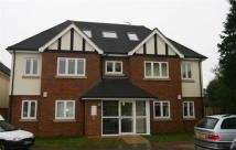 Flat to rent in Willow Tree Gardens...