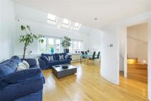 Flat for sale in Wimbledon Park Road, SW18