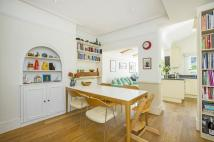 5 bed Terraced home in Heythorp Street, SW18